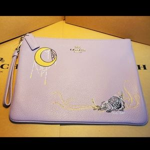 Coach Large Wristlet with Chelsea Animation